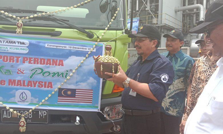 Photo of Kementan Lepas Ekspor Perdana 10.000 Liter Pupuk Organik  ke Malaysia