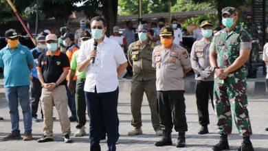 Photo of Pemerintah Bersama TNI dan Polri Lakukan Penyemprotan Disinfektan di Pasar Tradisional