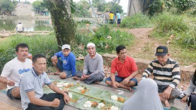 Photo of Biar Adil Dan Merata,Warga RT 06/10 Kelurahan Pondok Terong Gunakan Bansos Untuk Acara Makan Bareng