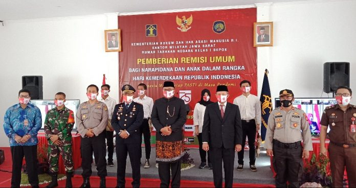 Photo of HUT Kemerdekaan ke 75, Ratusan Napi Di Lapas Cilodong  Dapat Remisi