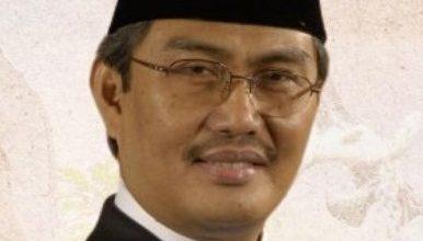 Photo of Guru Besar dan Dosen FHUI Peroleh Bintang Tanda Jasa dan Kehormatan dari Negara