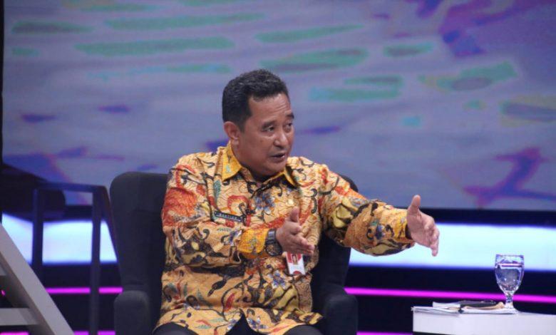 Photo of Kemendagri Apresiasi Tiga Bapaslon Pilkada Karawang Deklarasi Patuhi Protokol Kesehatan Covid-19