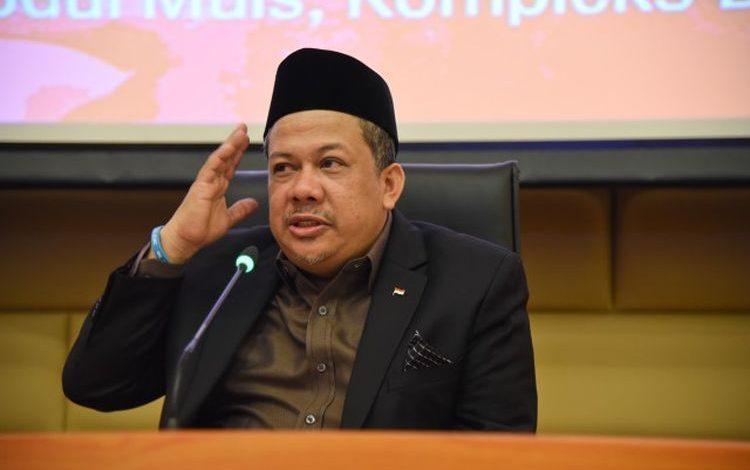Photo of Turut Berduka, Fahri Hamzah: Sumbawa Berutang Budi Kepada Prof Abdul Malik Fadjar