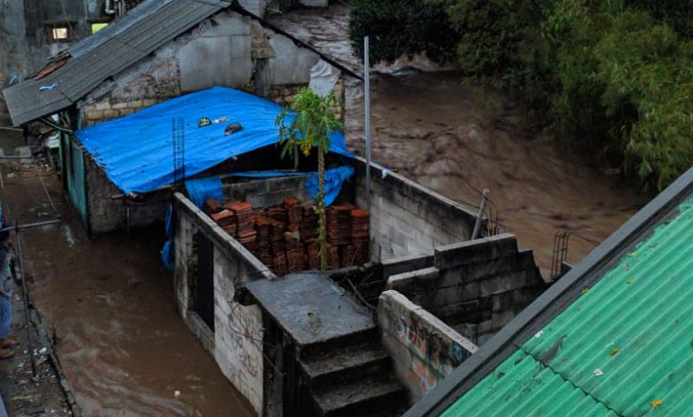 Photo of BPBD Sukabumi Temukan Dua Warga Meninggal Dunia Akibat Banjir Bandang