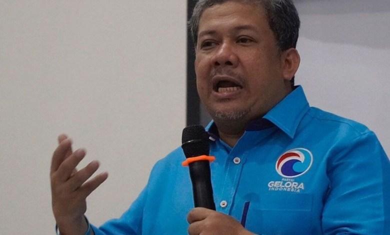 Photo of Tak Perlihatkan Adanya Krisis, Fahri Hamzah Sarankan Mendikbud Wajibkan Seluruh TV Siarkan Pendidikan