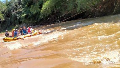 Photo of Siaga Bencana Musim Hujan, Damkar Depok Susur Sungai Ciliwung Bersama Relawan