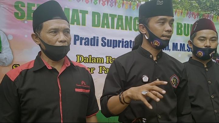 Photo of Tujuh Sanggar Pencak Silat di Depok Siap Menangkan Pradi-Afifah