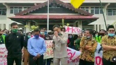 Photo of Video Anggota DPRD Tidak Hafal Pancasila Viral di Medsos