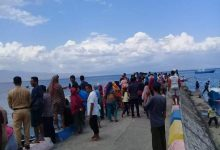 Photo of Tiga Nelayan Asal Desa Malaju Yang Dikabarkan Hilang di Perairan Sangiang   Ditemukan Dalam Keadaan Selamat
